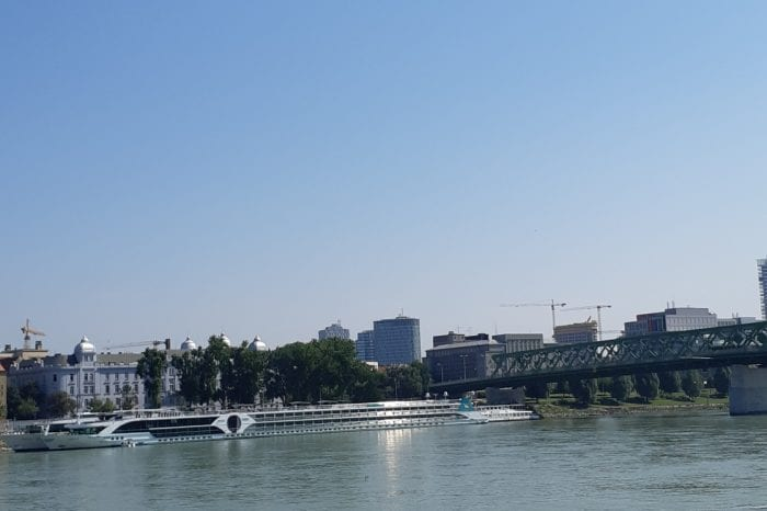 Bicycle tour along the Danube dike – Moderate